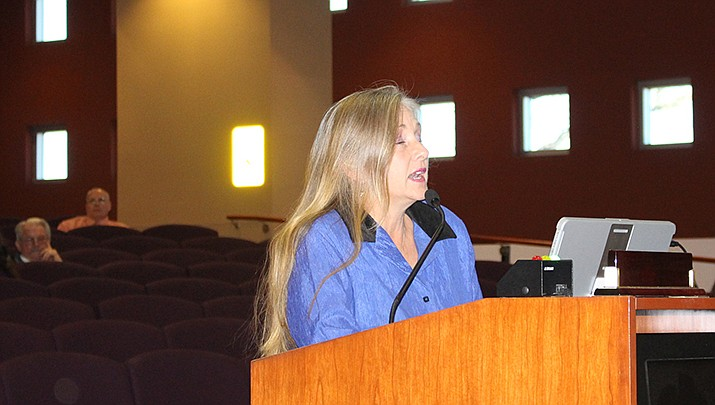 Jennifer Esposito of Kingman speaks against a new animal control ordinance at the Mohave County Board of Supervisors' meeting on Monday, Jan. 6. (Photo by Agata Popeda/Kingman Miner)