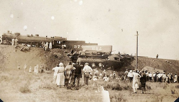 Train wreck east of Williams 1926. (photo/Al Messimer family)