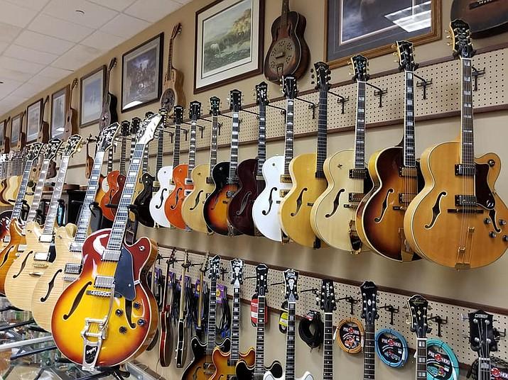Blue Note Guitars (Doug Cook/Courier)