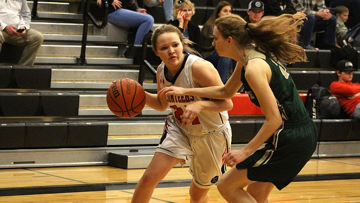 Lady Vols senior Liberty Cronk tallied six points Tuesday in a 35-27 victory over Mohave. (Photo by Beau Bearden/Kingman Miner)