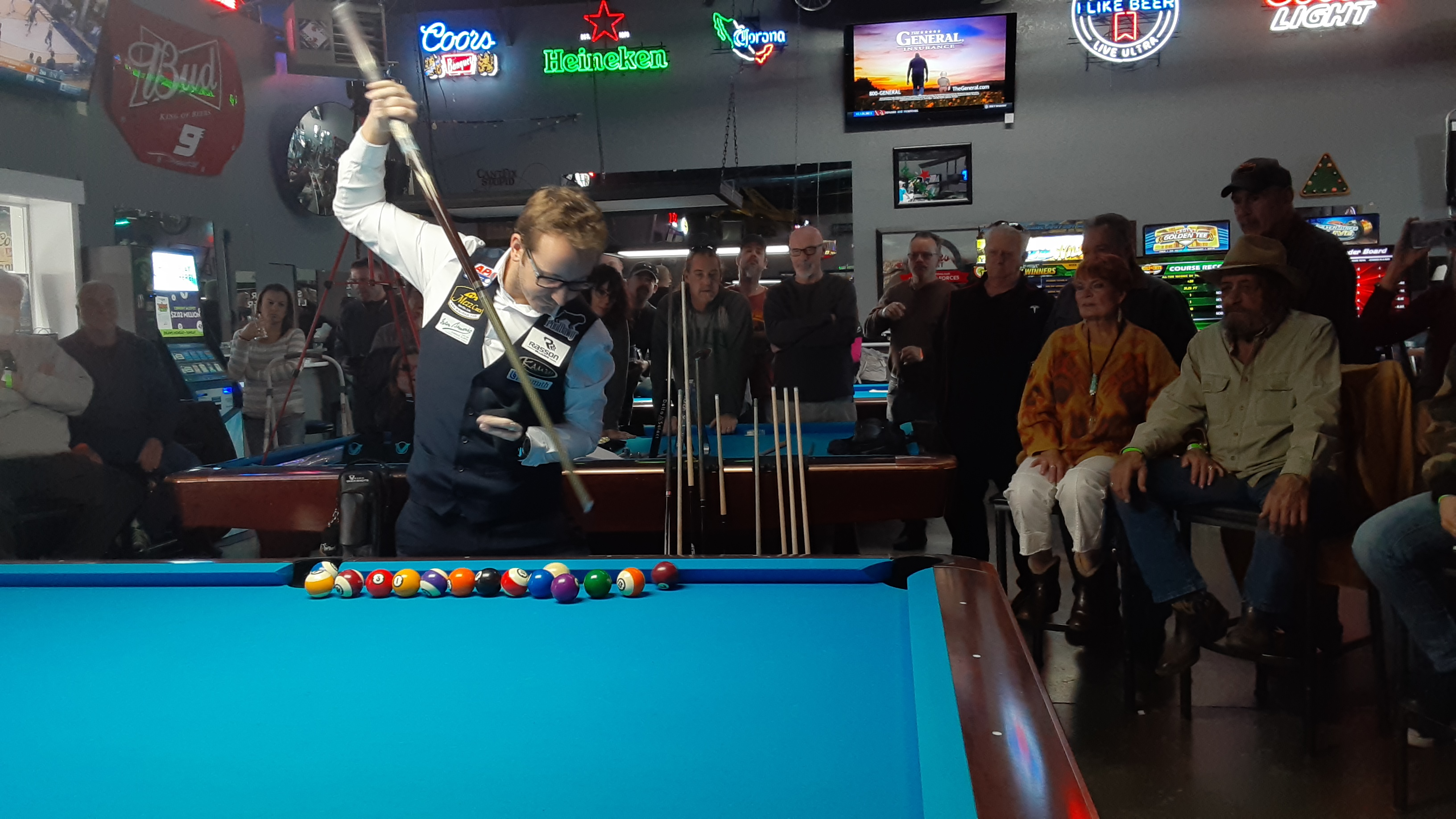 World class pool player wows crowd at Barefoot Bob's Billiards