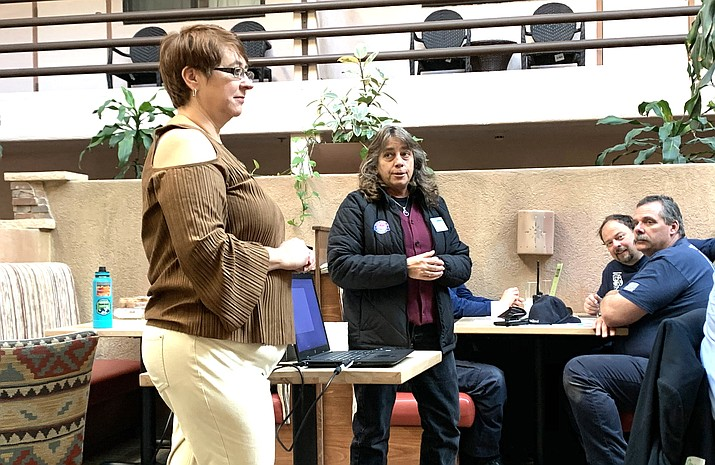 Chamber representative Laura Chastain provides updates during the annual Grand Canyon Chamber and Visitor Center Luncheon Jan. 30. (Loretta McKenney/WGCN)