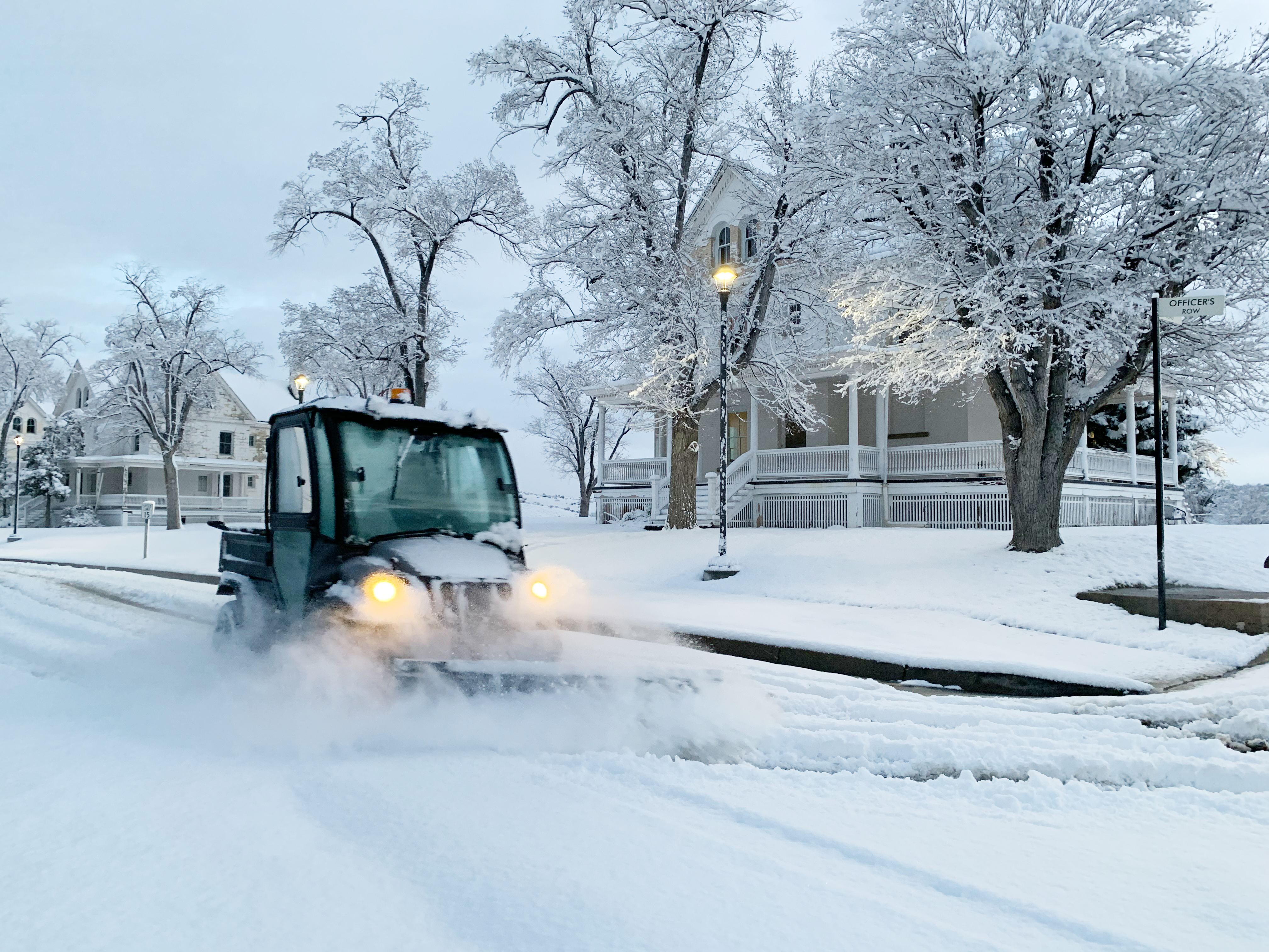 Unexpected Prescott area snowfall causes delays, minor crashes, outages