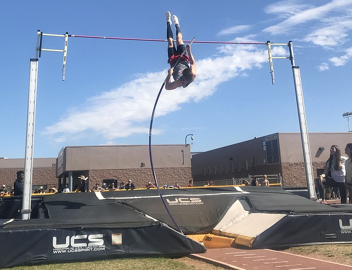Mingus senior Andrew Peterson is ranked first in the state in the pole vault in Arizona Division III. Photo by Aysha Khalil.