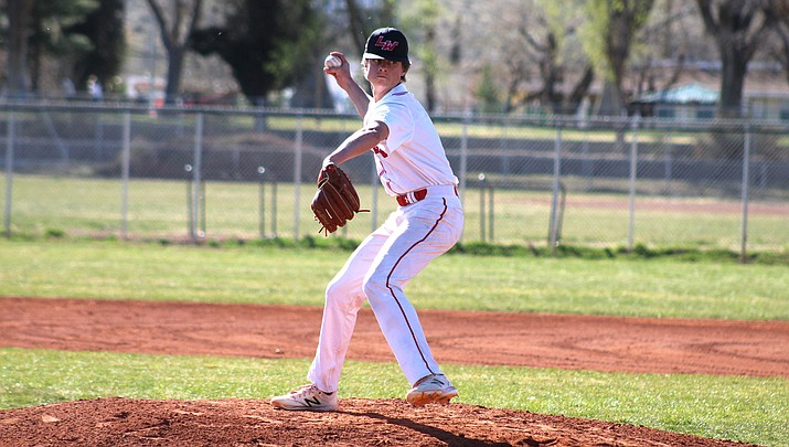 Lee Williams junior Dylan Petersen struck out eight and walked three on Wednesday, but the Vols lost 2-1 to Canyon View. (Photo by Beau Bearden/Kingman Miner)