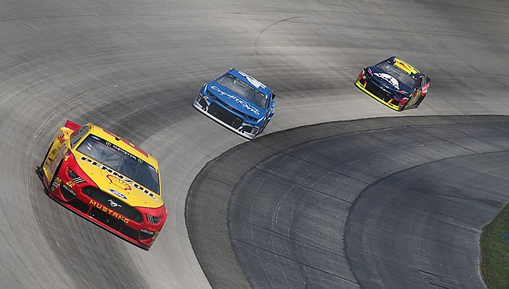 Joey Logano won the Nascar Cup race at Phoenix Raceway on Sunday, March 8. It was his second win of the season in four races. (Photo by Zach Catanzareti, cc-by-sa-2.0, https://bit.ly/2uqmzal)