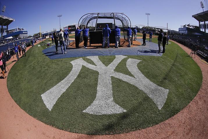 Toronto Blue Jays take batting practice before a baseball game against the New York Yankees Saturday, Feb. 22, 2020, in Tampa. (Frank Franklin II/AP)