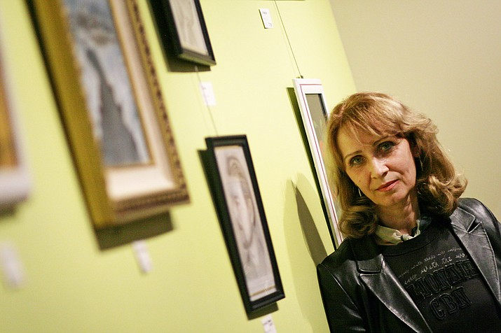Since 2015, Natallia Robinson has lived in the Verde Valley. The artist and former Belarus resident moved to the states to be near her youngest son, now an interpreter in Phoenix. VVN/Bill Helm