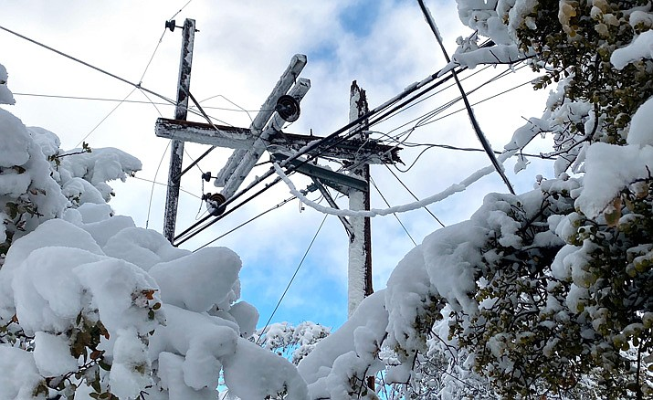 A power pole that was damaged in the Prescott area during a strong winter storm on Thursday, March 19, 2020. (APS/Courtesy)