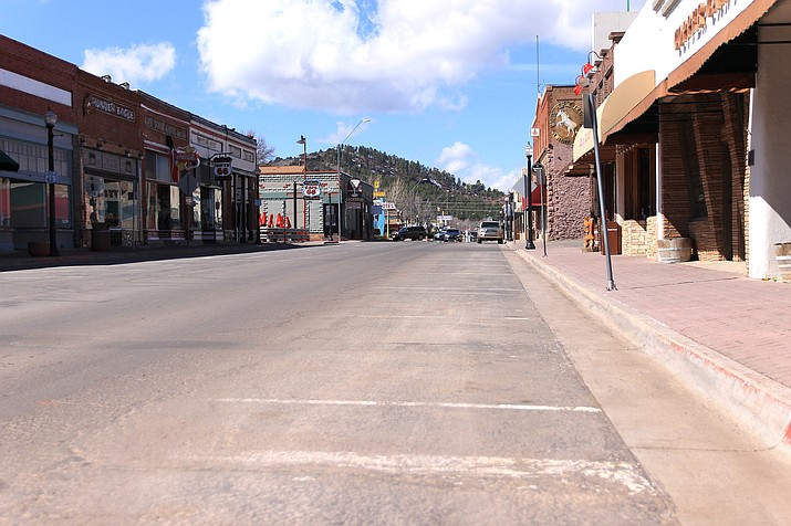 Historic Route 66 in downtown Williams remains empty as the state and town respond to the COVID-19 pandemic. (Wendy Howell/WGCN)