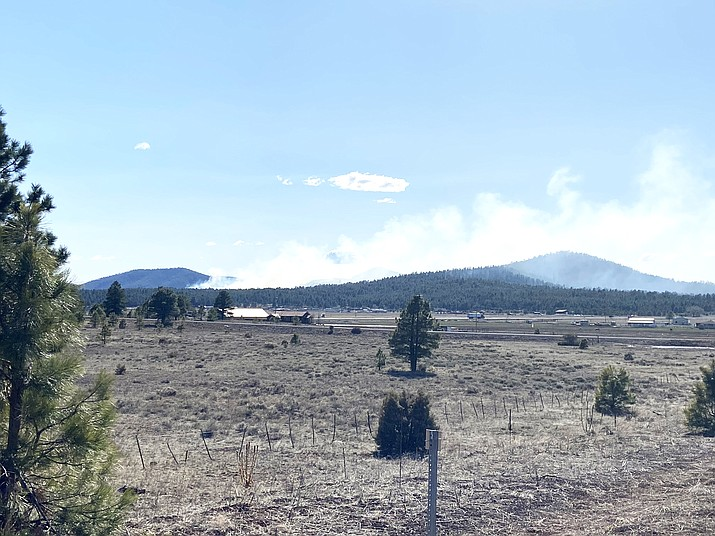 Fire crews from Kaibab National Forest, Ponderosa Fire and Sherwood Forest Fire Department have contained the Beacon Fire, located south of Interstate 40. (Wendy Howell/WGCN)