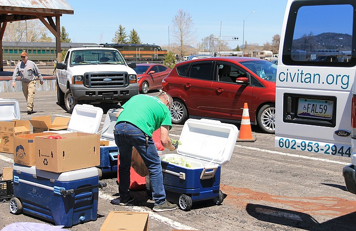 Camp Civitan volunteers gave out 150 meals to students and local youth at their first food distribution at Williams Recreation Center in April. (Wendy Howell/WGCN)