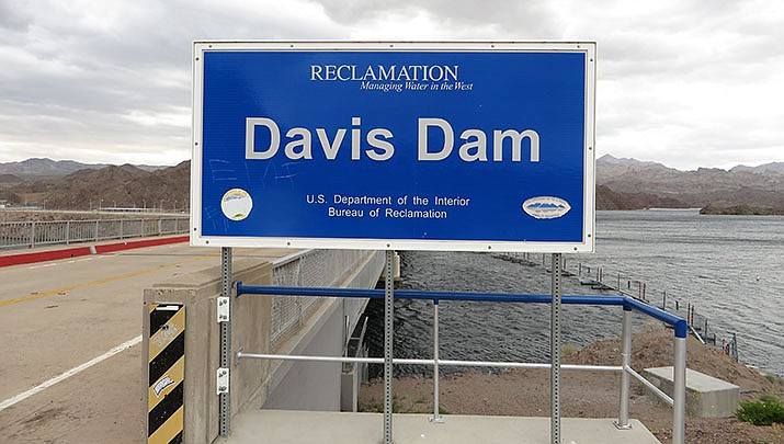 Mohave County-owned Davis Camp, just downriver from the Davis Dam at Bullhead City, has been hosting large crowds, and will limit capacity to about 5,000 by issuing wristbands to adults. (Photo by Ken Lund, cc-by-sa-2.0, https://bit.ly/3e9Ptgf)