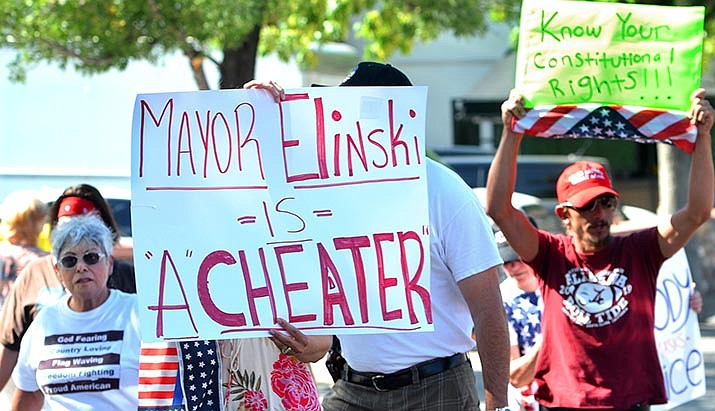 Protestors encouraged the recall of Cottonwood Mayor Tim Elinski one day after his proclamation requiring face coverings at city locations where social distancing can't be practiced. VVN/Vyto Starinskas