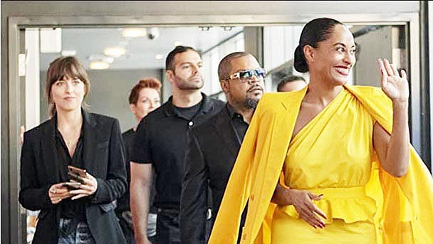 Ice Cube, Ricky Martin, Dakota Johnson, and Tracee Ellis Ross in 'The High Note.' Focus Features