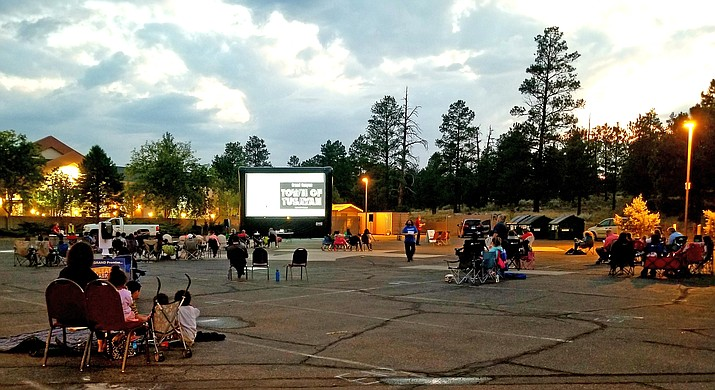 With safety concerns at the forefront, the Tusayan Town Council hosted its first ever Sunset Movies event Aug. 27. (Lo Frisby/WGCN)