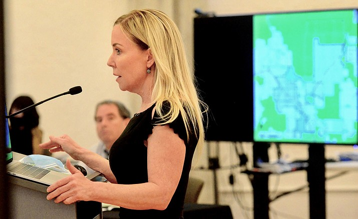 Lisa Borowsky speaks at a recent Cottonwood City Council meeting. She and her father, Eric, are set to present a revised Spring Creek Ranch development plan to the Yavapai County Planning and Zoning Commission on Thursday, Sept. 17. VVN/Vyto Starinskas