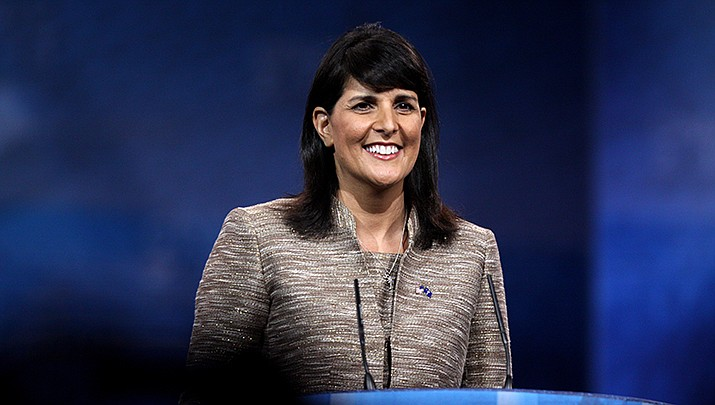 Former U.N. Ambassador Nikki Haley campaigned on behalf of U.S. Sen. Martha McSally (R-Ariz.) on Monday, Oct. 12 in Scottsdale. (Photo by Gage Skidmore, cc-by-sa-2.0, https://bit.ly/2SSr1Ye)