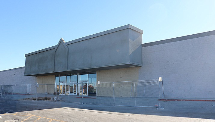 C-A-L Ranch Stores has signed a lease to occupy about half of the old Kmart building at 3340 E. Andy Devine Ave. (Photo by Travis Rains/Kingman Miner)