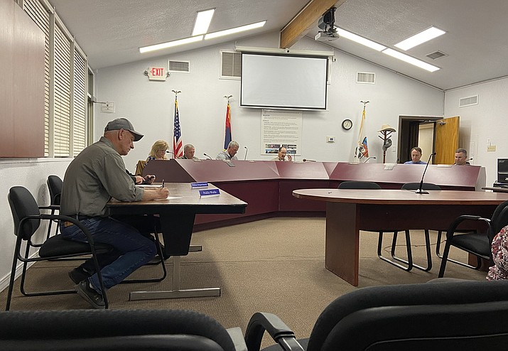 Williams City Council. (Wendy Howell/WGCN)