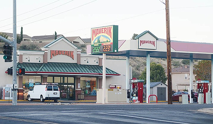 The Camp Verde Marshal's Office says a confrontation and shooting happened Tuesday evening, Oct. 27, 2020, at this Maverik convenience store on Finnie Flat Road in Camp Verde. Both shooters were hospitalized, CVMO said, but no arrests have been announced. (Vyto Starinskas, for the Courier)