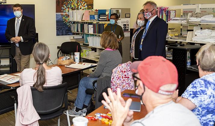 Secretary Robert Wilkie, left, addresses nursing staff who are conducting training during a visit Oct. 14. (Prescott VA/Courtesy)