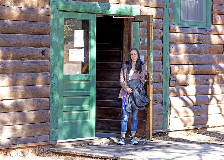 Canyon Closet is offering free clothing for residents and visitors to Grand Canyon Village. Canyon Closet was started by Grand Canyon resident Gloria Barrett, who saw a need in the community for a clothing exchange store. (V. Ronnie Tierney/WGCN)