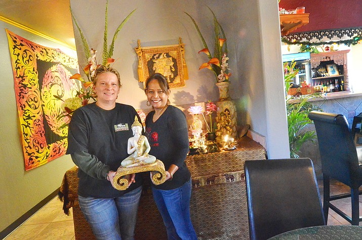 Dena Smith, left, and partner Bo Krathinthong, have good food and karma for their customers at Thai Palace in Old Town Cottonwood. VVN/Vyto Starinskas