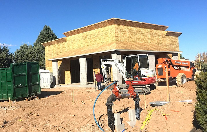 Cottonwood city officials expect construction of a store that carries Verizon Wireless products to be completed by the end of February 2021. VVN/Vyto Starinskas