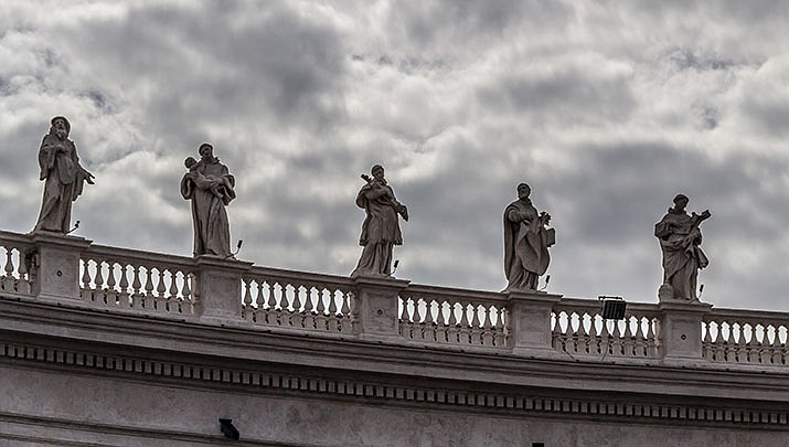 The Vatican has given Roman Catholics the OK to get virus vaccines developed using abortion cell lines. Statues at St. Peter's Square in the Vatican are shown. (Photo by Dietmar Rabich, cc-by-sa-4.0, https://bit.ly/3aAKJ4z)