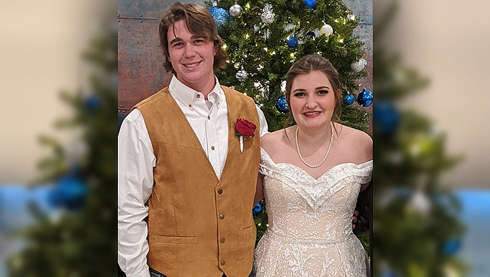 Tanner Rayfield and Riley Myers were recently married by Pastor Scott Savage.(Courtesy)