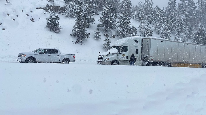 Winter storm closes multiple highways in Arizona