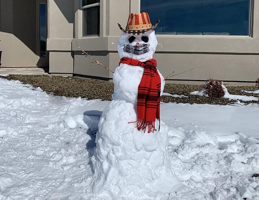 A COVID-friendly snowman in Williamson Valley. Photo by Bonny Martignoni.