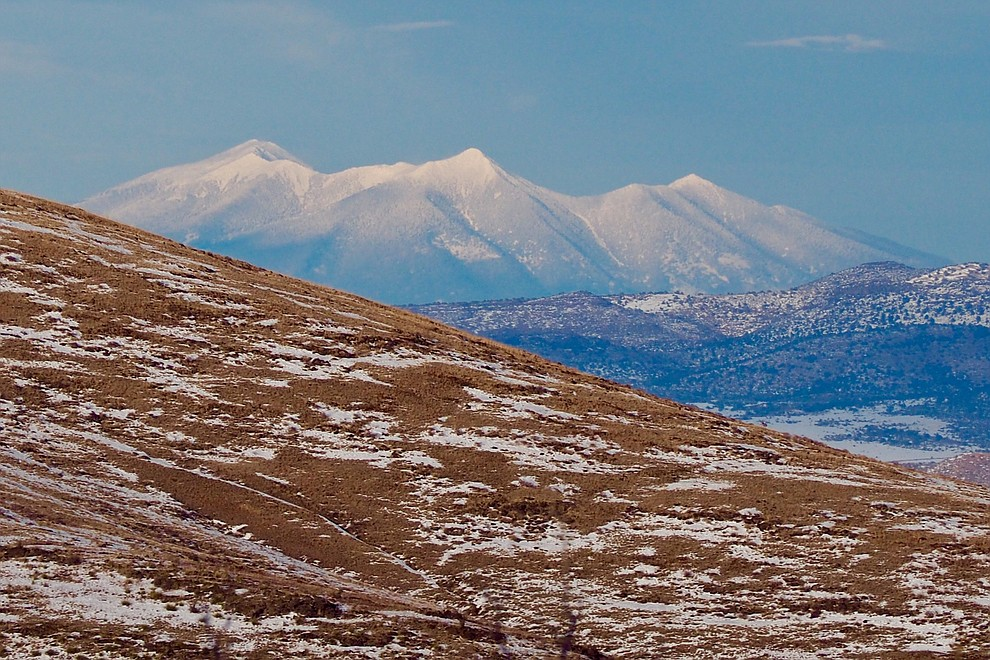 Snowy San Francisco peaks to the North as viewed from Prescott, Arizona. Photo by Karen Shaw.
