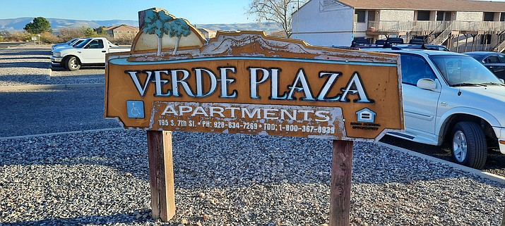 Residents of Verde Plaza Apartments received non-renewal notices this week. For those who just signed new leases, they can stay until each lease expires. VVN/Jason W. Brooks