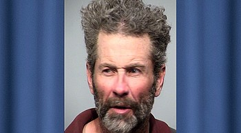 Glendale man arrested for assautling utility worker with rock photo