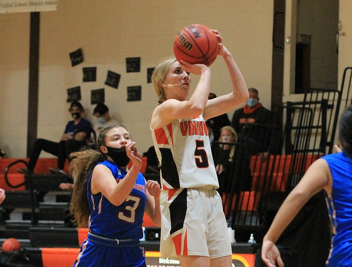 Sydnee Mortensen takes a jump shot in the game against Mayer. (Wendy Howell/WGCN)