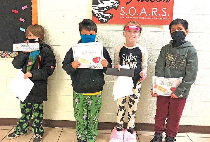 Williams Elementary students stand with their SOM certificates. (Photo/WEMS)
