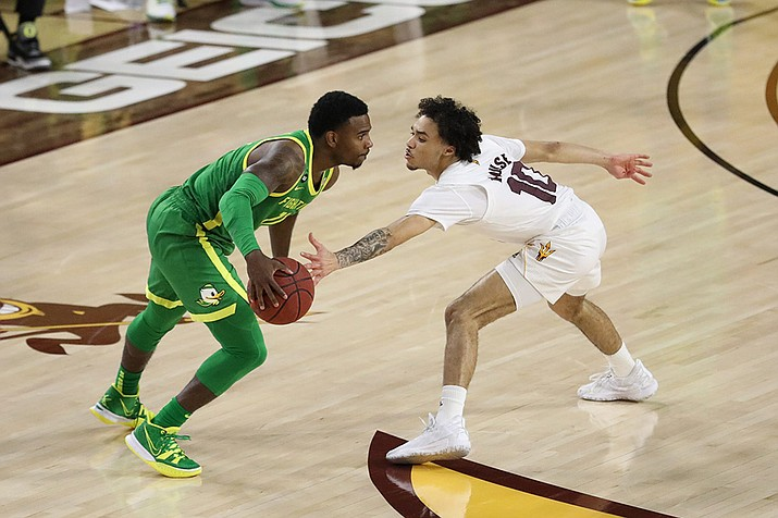 Jaelen House (right), the son of former Arizona State standout Eddie House, is considering GCU after transferring from ASU. (Photo by Alina Nelson/Cronkite News)