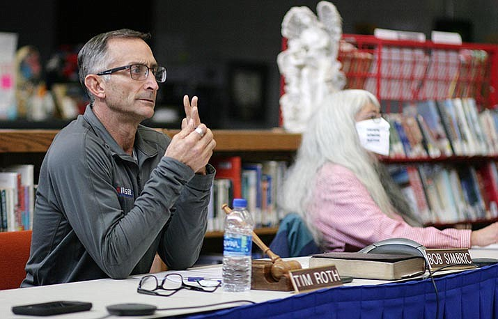 Tuesday, the Camp Verde School Board will discuss its online education, as well as ideas for incentivizing and motivating students who attend school online. Pictured, Board President Tim Roth. VVN/Bill Helm