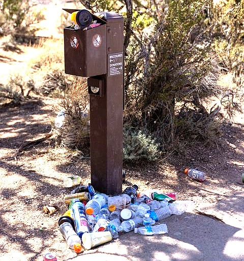 Grand Canyon National Park is asking for the public's help by keeping information boxes, located along the walking path on the South Rim, free from debris. (Photo/J. Knight, courtesy of NPS)