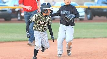 Little League returns to Williams photo