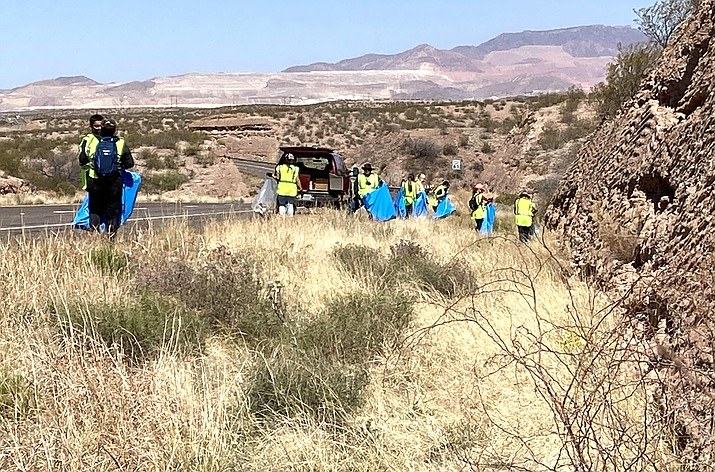 In 2020, 4,700 people from more than 1,200 volunteer headed out to pick up litter along their adopted sections of the highway system. (Photo/ADOT)