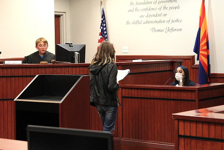 The eighth grade class at Williams Elementary-Middle School participated in a mock trial May 18 at the Williams Justice Court. (Loretta McKenney/WGCN)