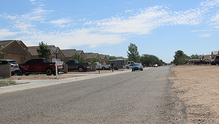 """Kingman City Council and staff are looking to address the issue of """"half-streets"""" throughout the community that have been brought on by interpretations of Ordinance 1813. A section of Marlene Avenue is pictured.  (Photo by Travis Rains/Kingman Miner)"""