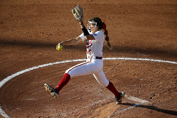 Alabama's Montana Fouts pitches against Arizona during an NCAA Women's College World Series softball game in Oklahoma City, Thursday, June 3, 2021. (Bryan Terry/The Oklahoman via AP)