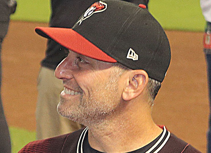 Manager Torey Lovullo and his Arizona Diamondbacks dropped their 18th straight road game with a 5-2 loss at Oakland on Tuesday, June 8. (Photo by Mwinog2777, cc-by-sa-4.0, https://bit.ly/32MElBX)