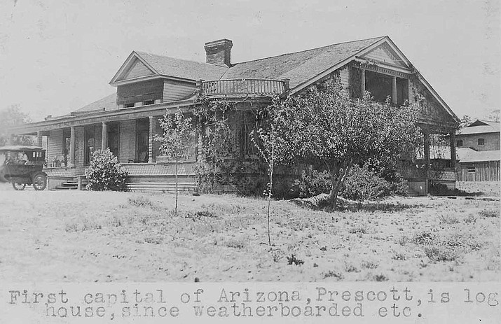 The Old Governor's House, 1925, before Sharlot Hall moved in. The log house was the first capitol building of Arizona, in Prescott. Call #1403.0536.0006 (Sharlot Hall Museum Research Center/Courtesy)