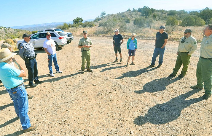 The Town Council will discuss and possibly approve a memorandum of understanding regarding the Verde Valley Circle Trail Concept at its regular meeting Wednesday night. Here, the Verde District's Prescott National Forest officials meet with citizens to discuss the trail system at Blowout Wash in Cottonwood recently. VVN/Vyto Starinskas