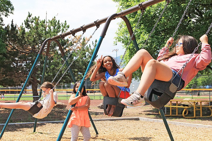 Williams youth attend Summer Rec July 23 at Cureton Park in Williams. (Wendy Howell/WGCN)